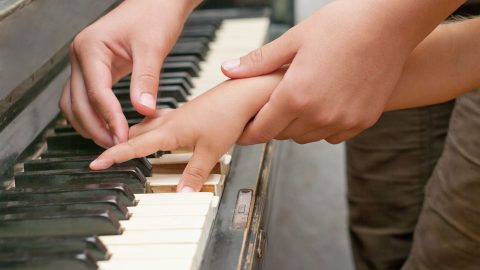 5 Ways To Teach Your Child Piano