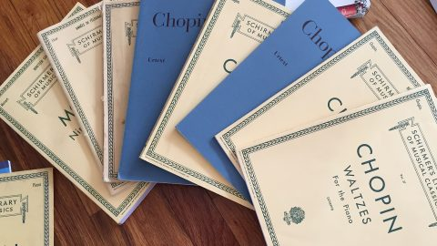How to Choose the Best Piano Book for Beginners