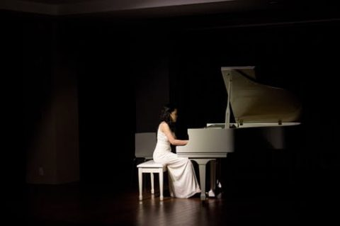 10 Benefits of Taking Piano Lessons