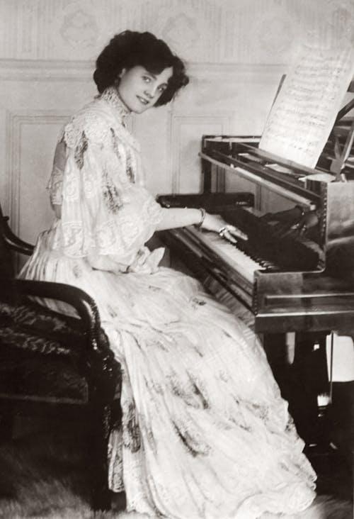 history of pianos