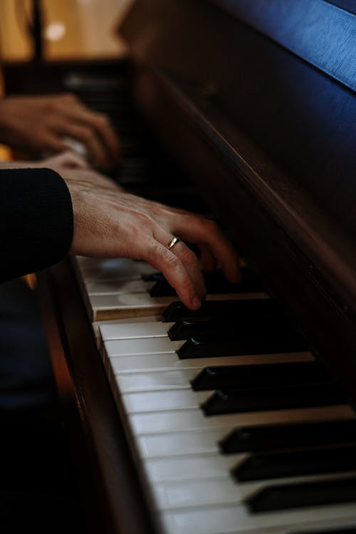 buying a new piano