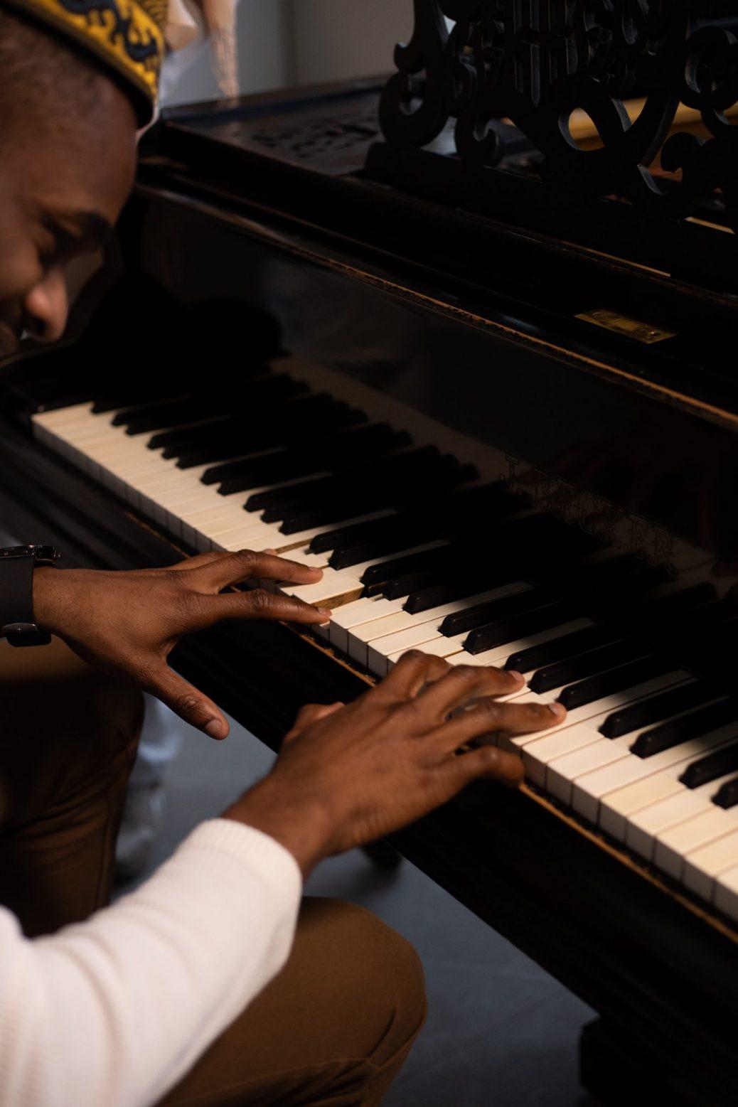 piano keys clean